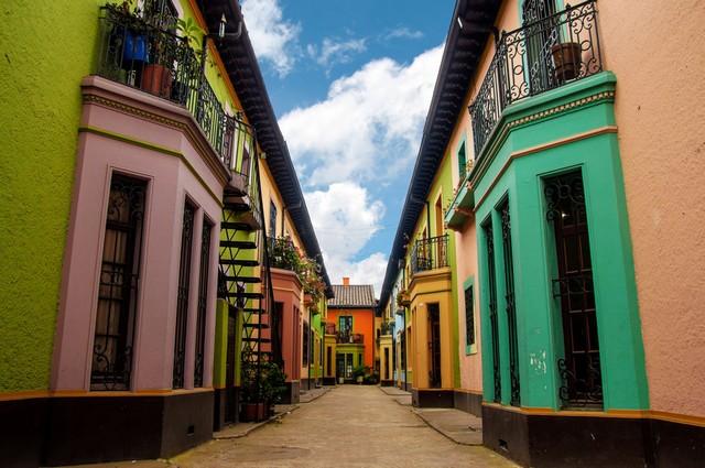 Visiter 5 quartiers historiques des villes colombiennes.