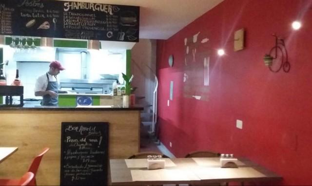 Vend restaurant, dans village près de la LLERAS