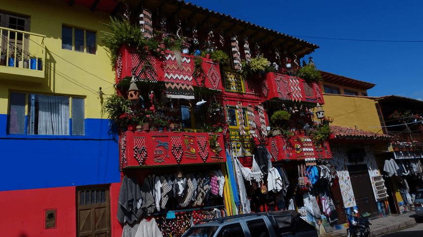 Ráquira, la capitale de la poterie en Colombie.
